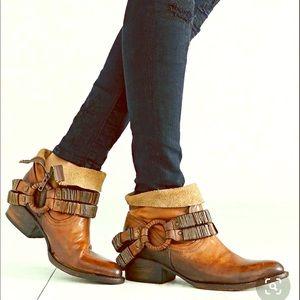Freebird by Steven Eve boot in Camel size 8
